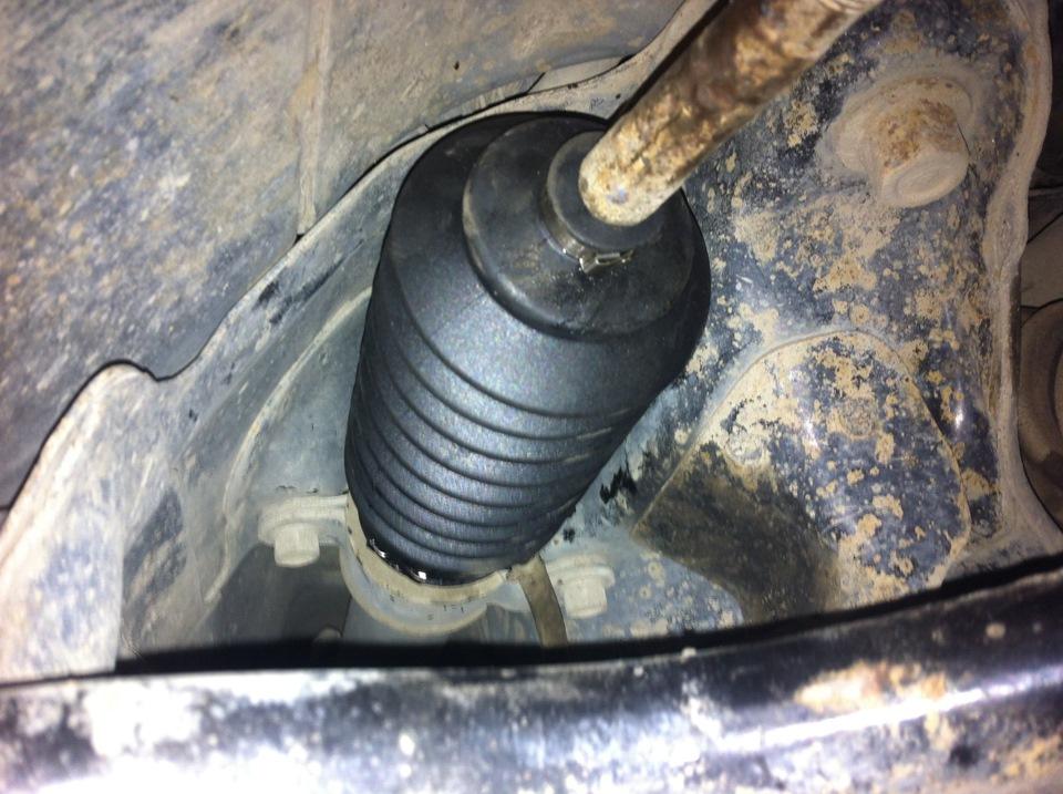 Фото №8 - замена пыльника рулевой рейки ВАЗ 2110