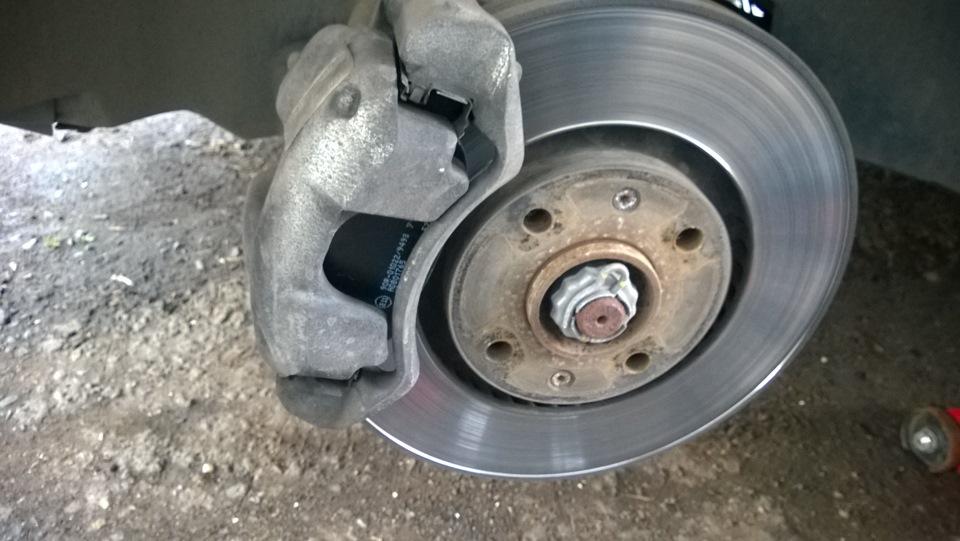 Замена задних тормозных дисков на пежо 308 своими руками