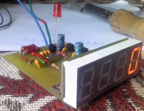 Чесались руки слепить что-то на микроконтроллере и подвернулся тахометр.  Схема довольно простая и не затратная.