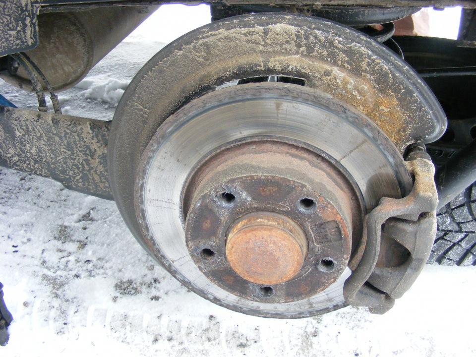 renault trafic заміна тормозних колодок