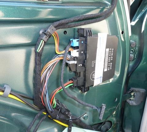 не работает стеклоподъемник передний на мерседесе w210