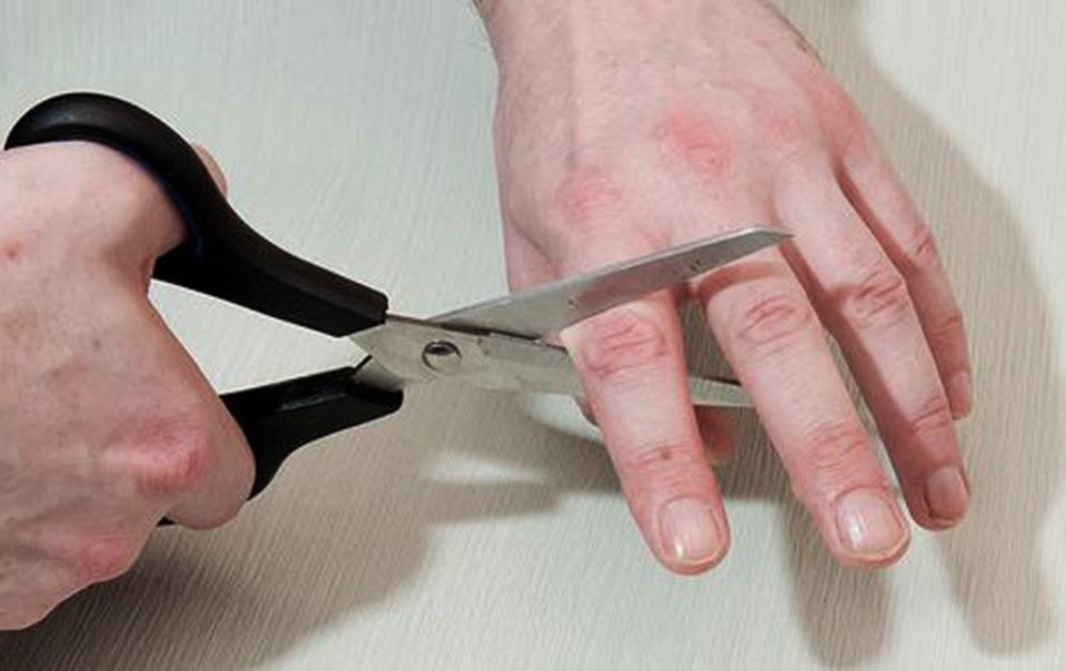 сегодня ребенку отрезали руку сонник термобелье натирает