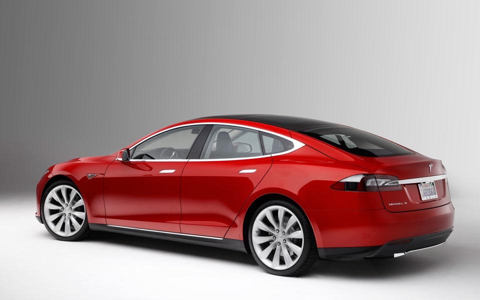 автомобиль тесла какое потребление киловатт/час
