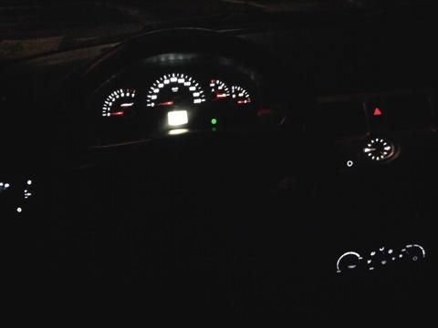 Как на приоре сделать подсветку белой 315