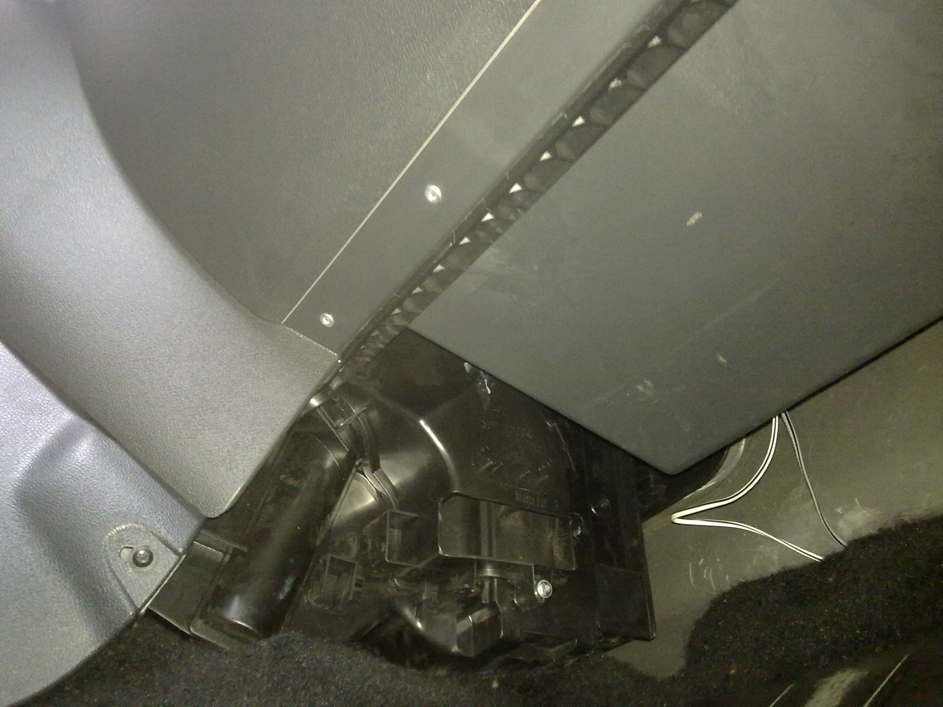 Рено логан установка магнитолы своими руками видео