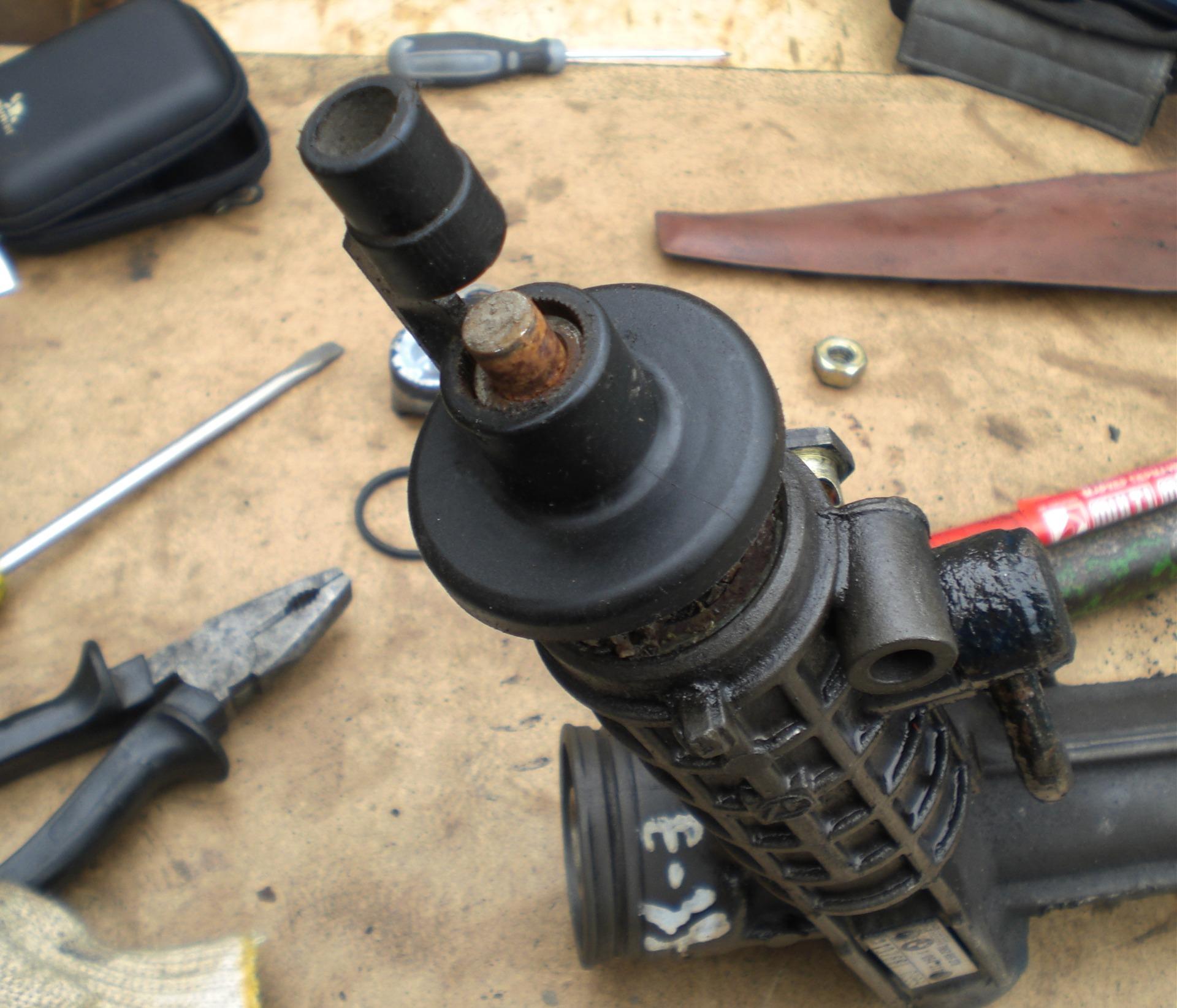 как правильно установить карданчик рулевой рейки мерседес спринтер