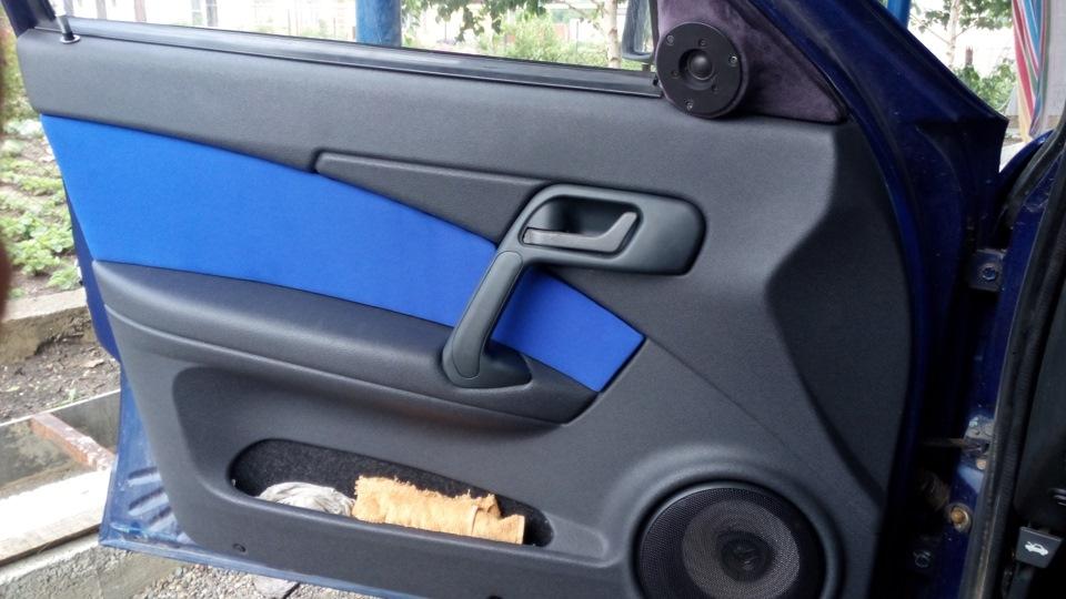 Фото №1 - как перетянуть обшивку дверей ВАЗ 2110