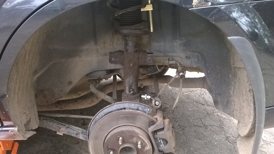 как снять задний амортизатор форд мондео 3