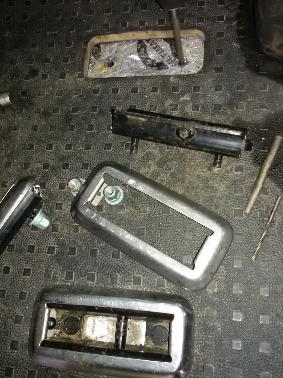 Крепления для сидения транспортера слабые места фольксваген транспортер