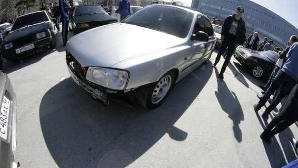 Hyundai accent kolhoz team garage drive2 for Garage hyundai paris 18
