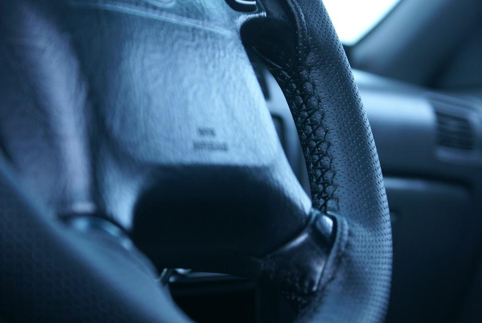 Оплетка на руль кожаная со шнуровкой своими руками видео