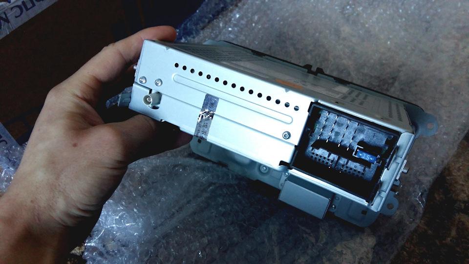 снятие антенны skoda rapid