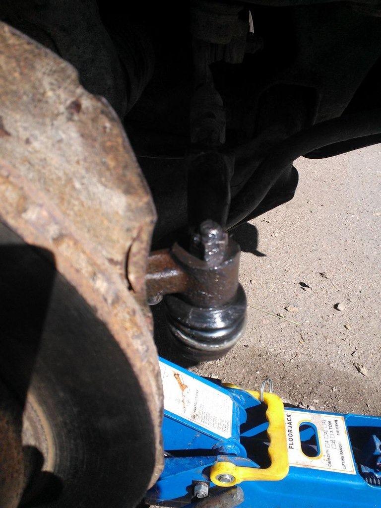Киа спортейдж 3 замена рулевого наконечника своими руками 85