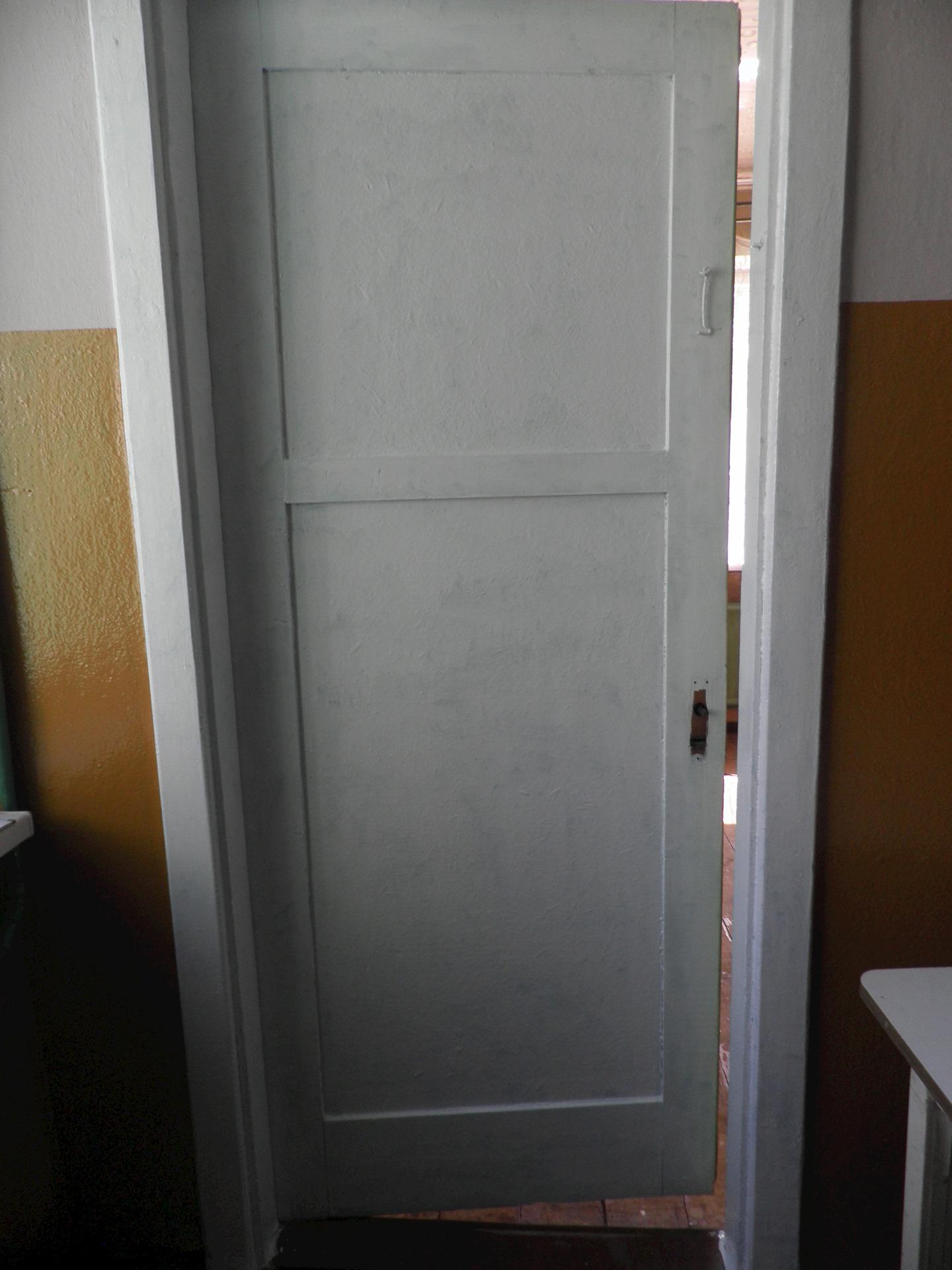 купить деревянную дверь бу