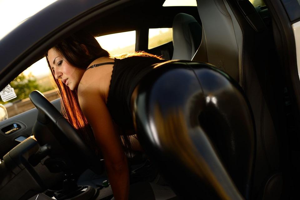 девушка верхом на секс машине - 9