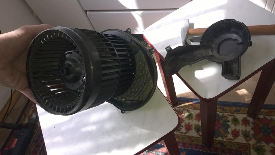 volvo s 80 вентилятор печки как снять