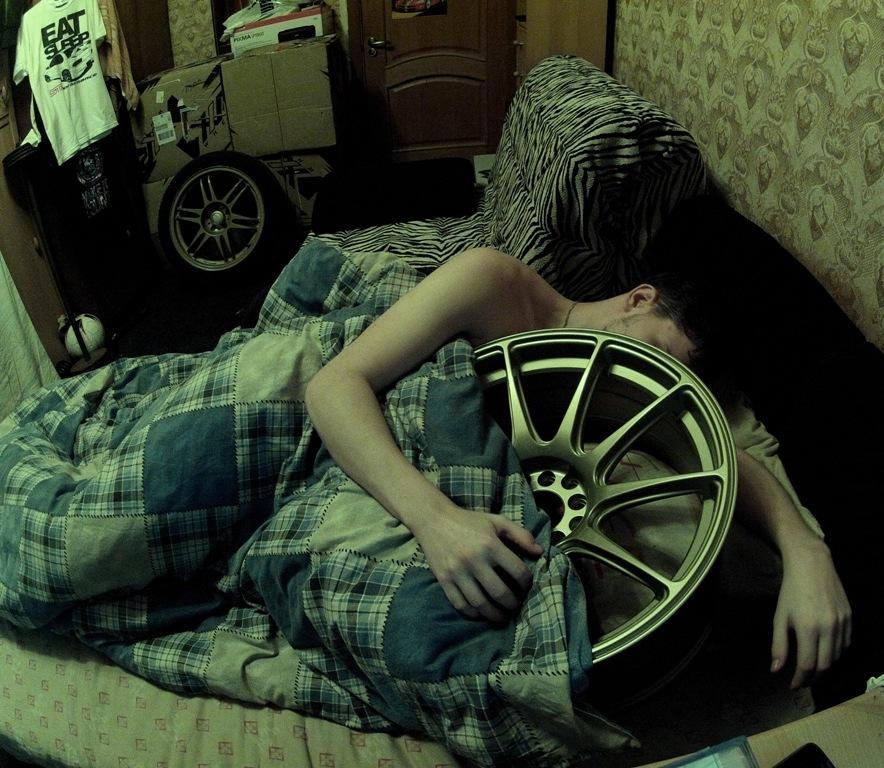 сфотографировал пока спит люблю его вестибюль