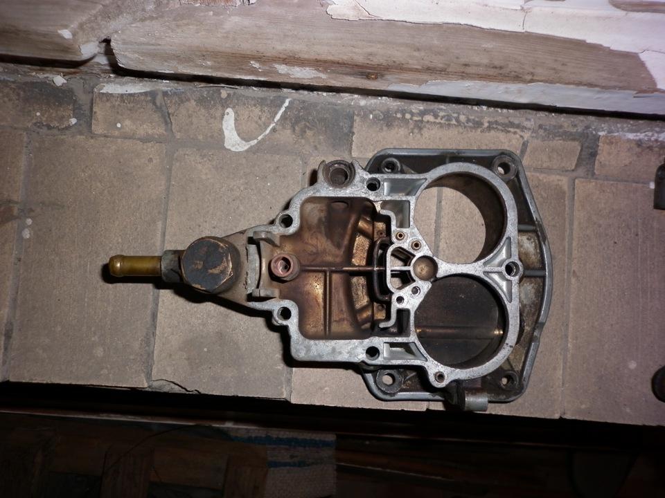 Крышка поплавковой камеры