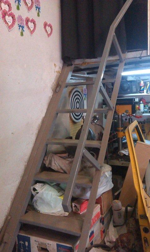 Лестница в гараже на второй этаж своими