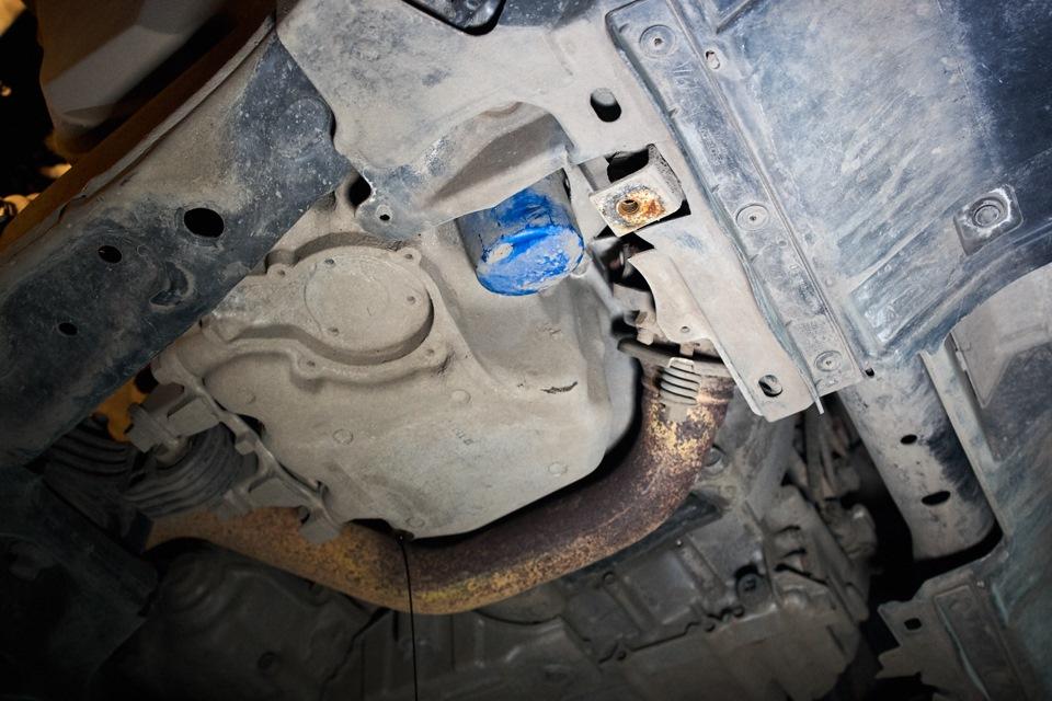 Место установки масляного фильтра Honda CR-V