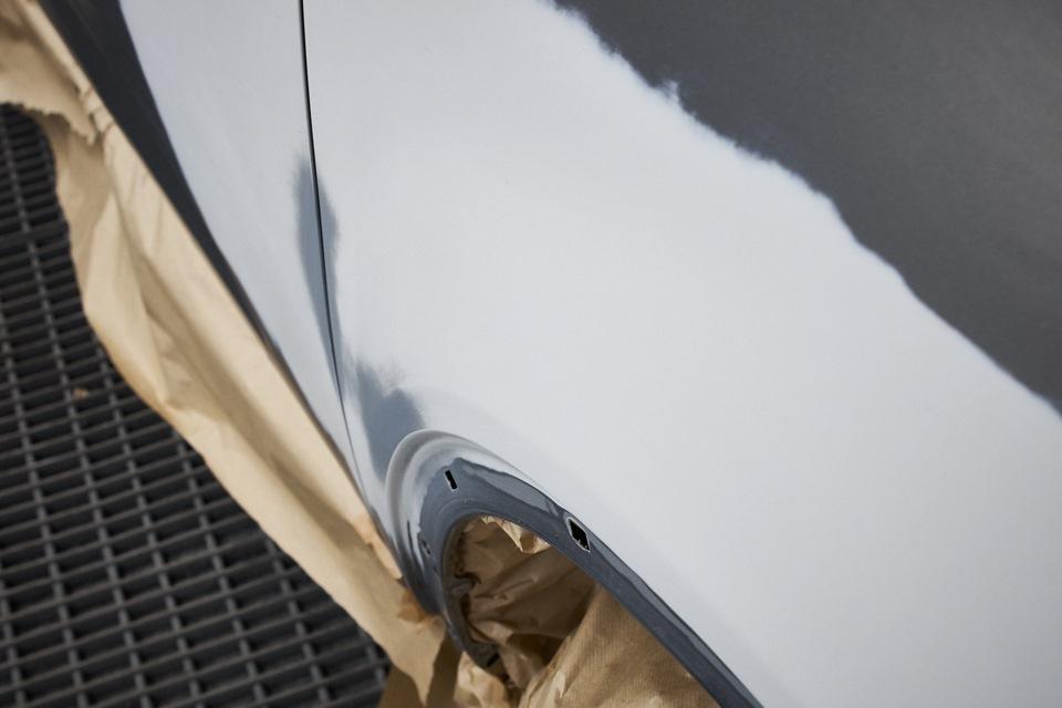 Восстановленная форма переднего правого крыла KIA Sorento перед покраской
