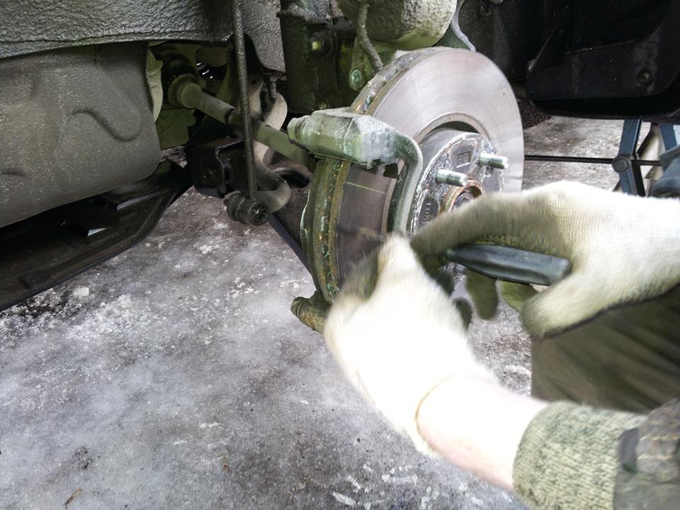 "Замена заводских колодок MOBIS на SANGSIN BRAKE (HI-Q) made in KOREA! - бортжурнал Hyundai ix35 Phantom Black ""TOMATO"" 2013 года"