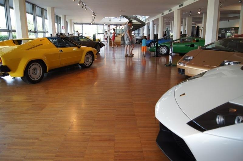 музей lamborghini в италии в болонии