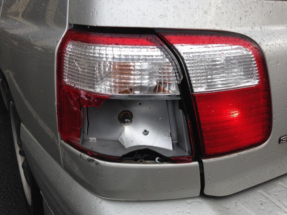 Ремонт задних фонарей автомобиля 195