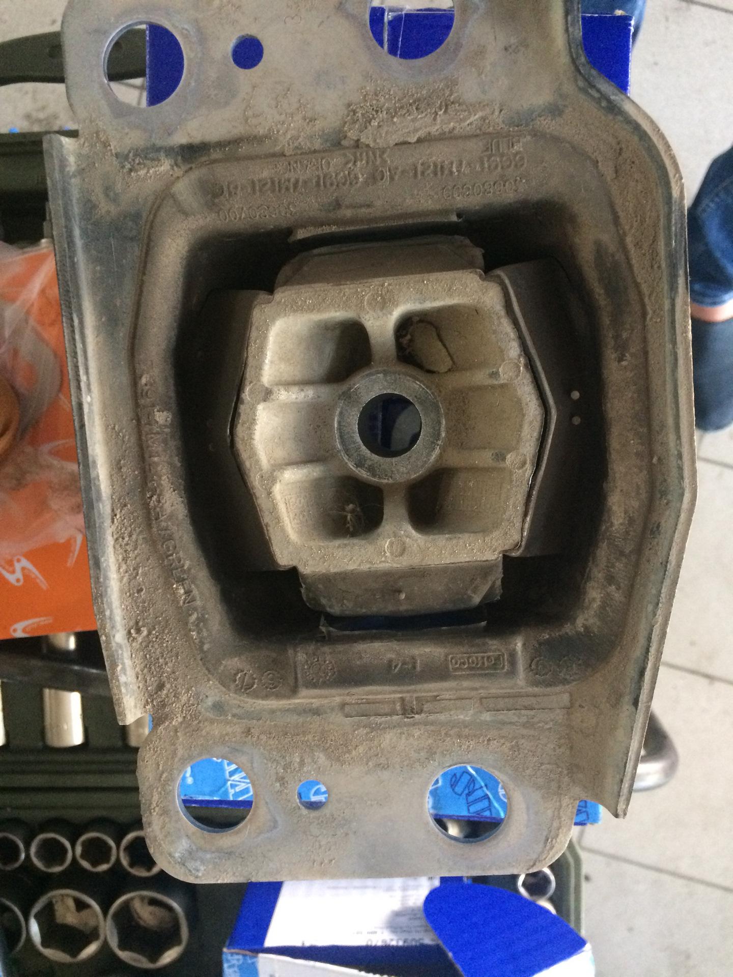 замена подушек двигателя фотопечать меру