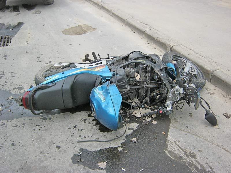 На Херсонщині мотоцикліст не розминувся із коровою