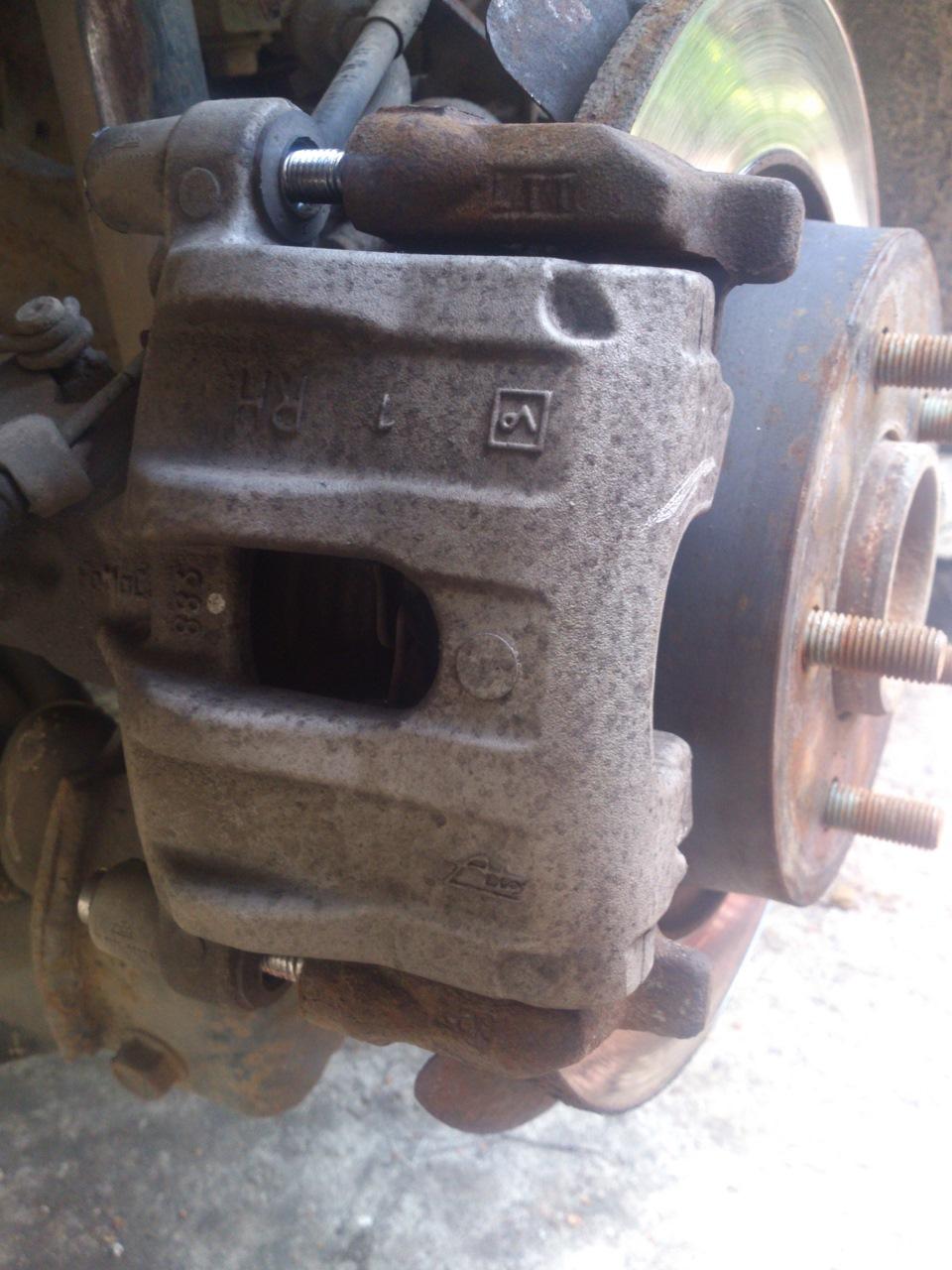замена тормозных колодок на мазда 3 седан инструкция
