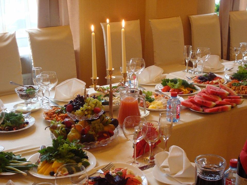 вот вторым оформление стола фото дома для гостей каких