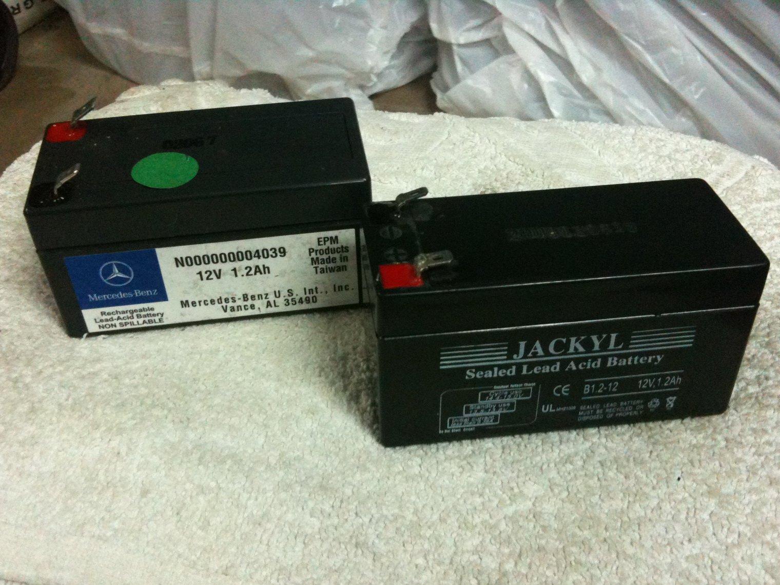 как снять аккумулятор с мерседесw164 ml350