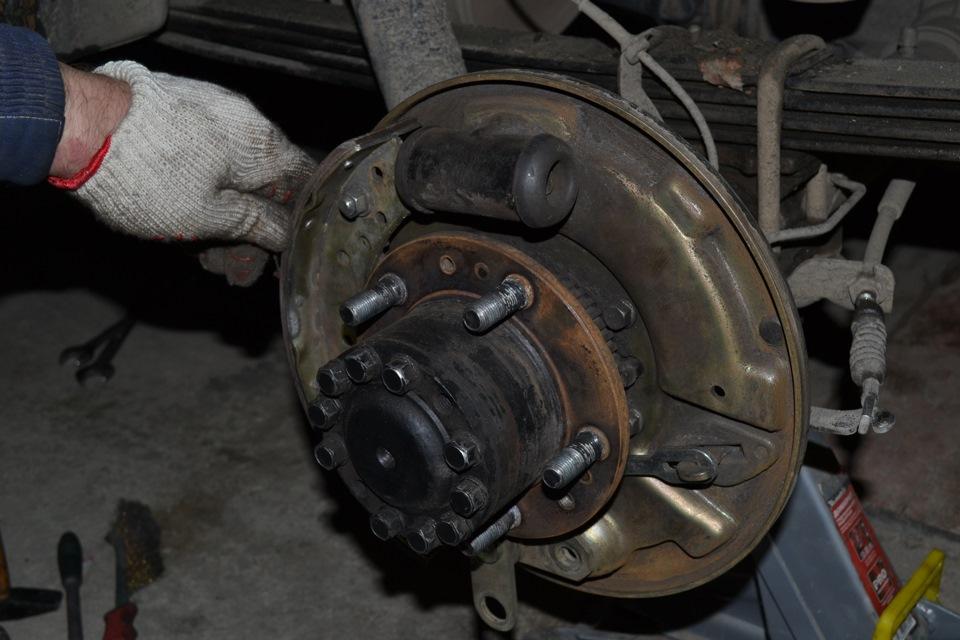 Замена тормозных колодок уаз патриот своими руками 75