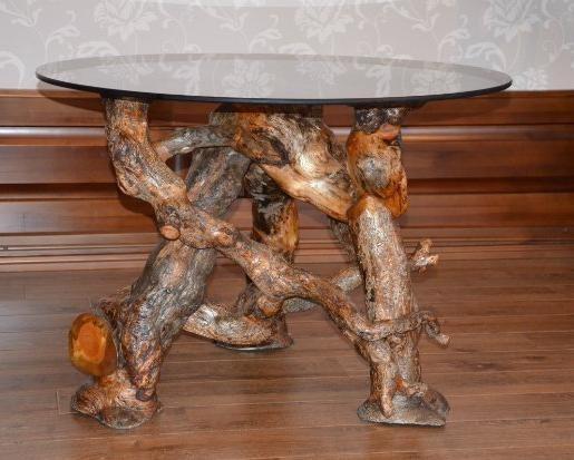 Столик из коряги своими руками