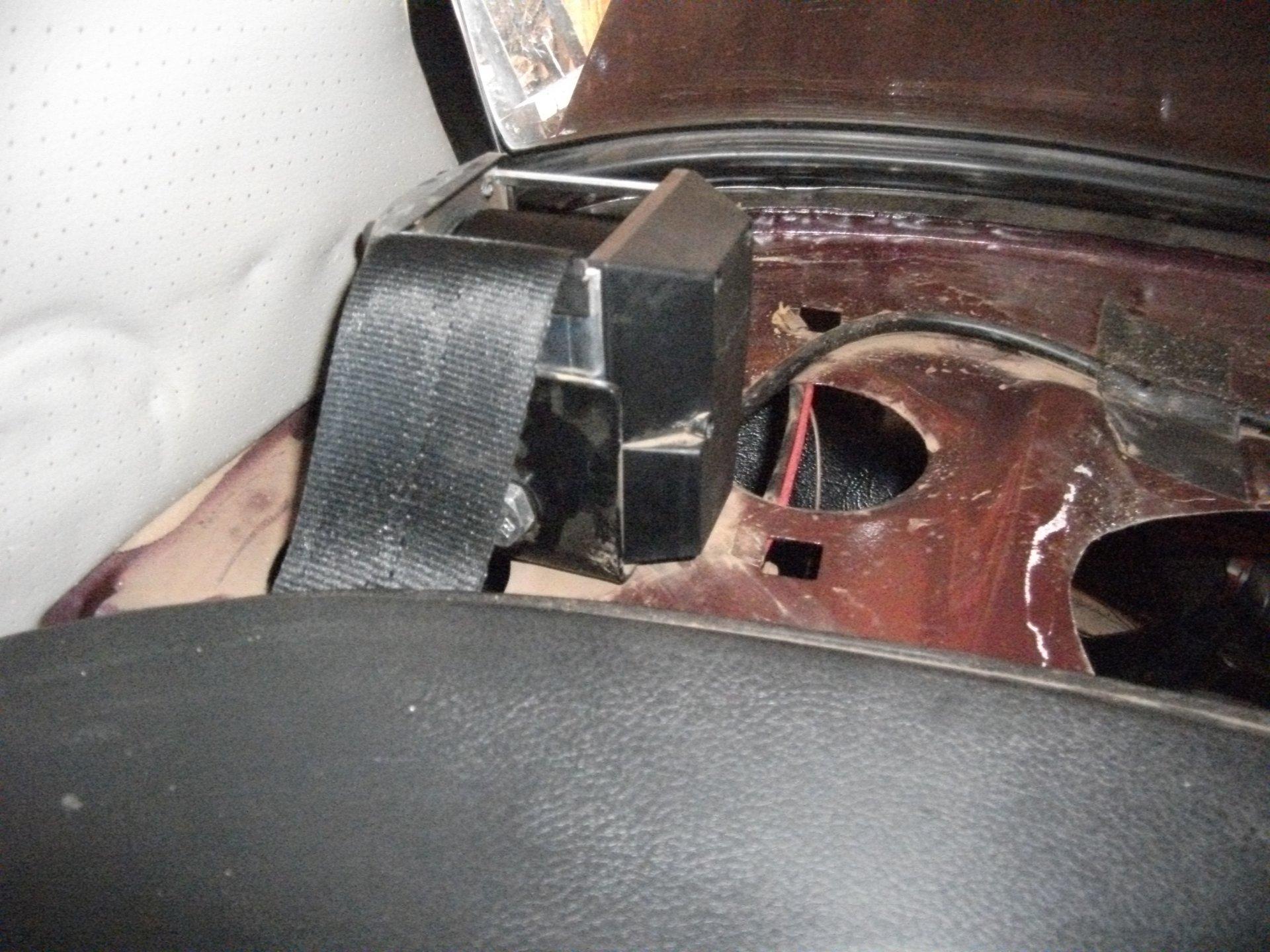 2106 задние ремни безопасности: