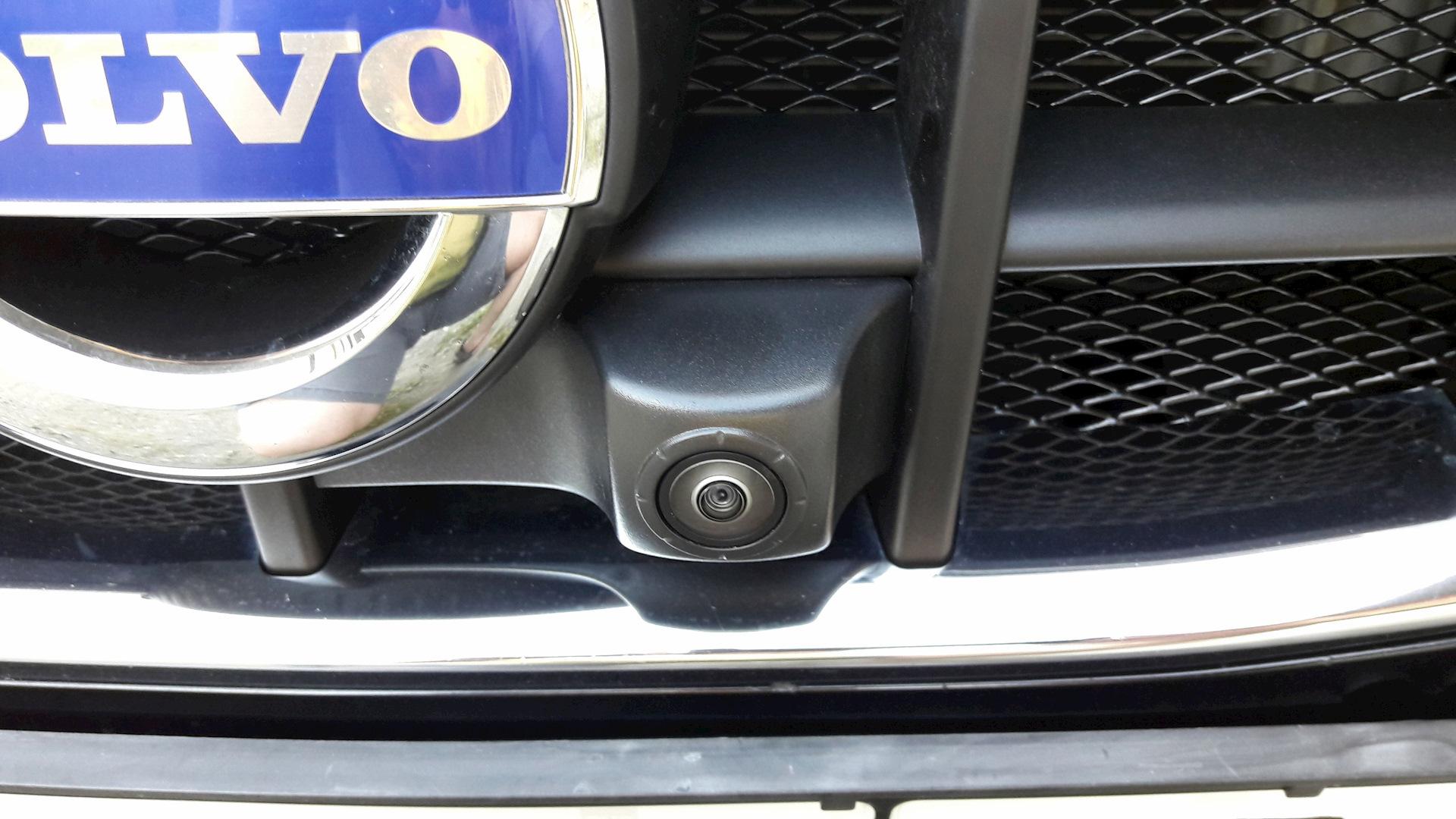 volvo xc70 как подключить камеру заднего вида