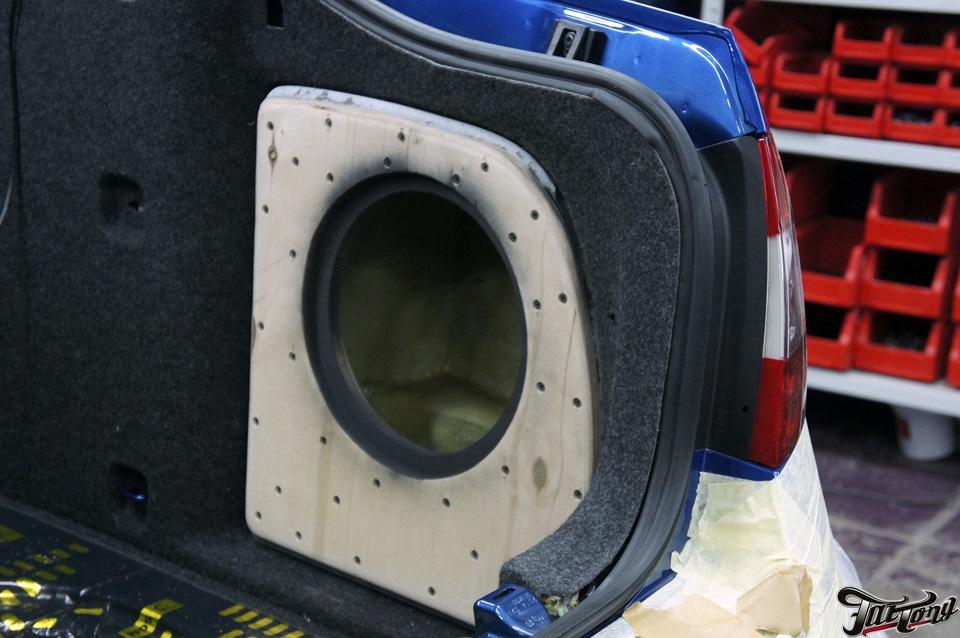 Skoda Octavia RS. Полная замена акустической системы с изготовлением стелса и шумоизоляцией.