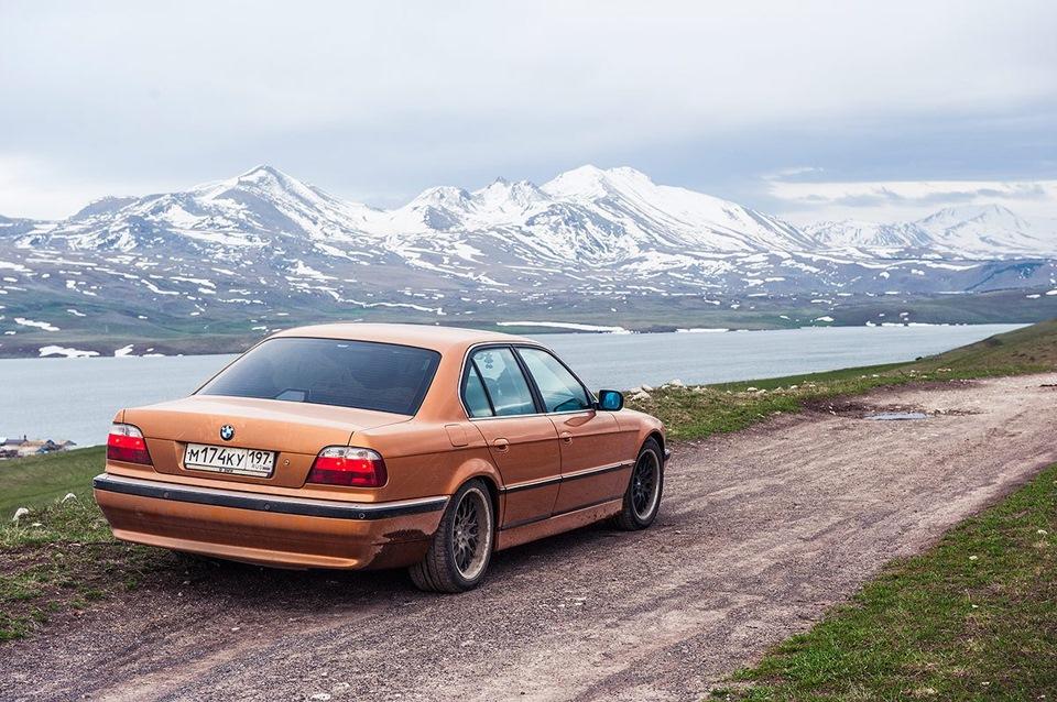 BMW E38 Club - Еще немного видов Грузии на фоне моей машины)
