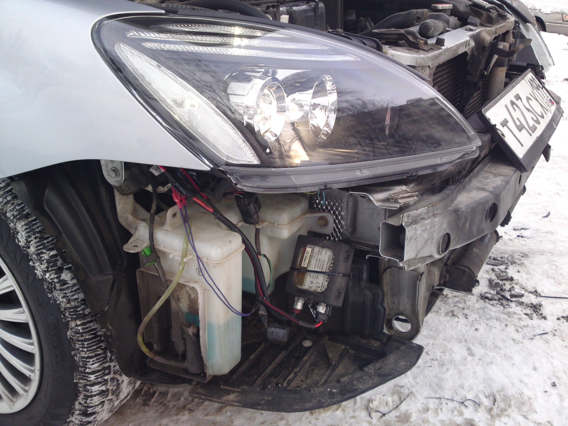 Подключал их по инструкции.  Загораются вместе с пуском двигателя гаснут, когда выключишь двигатель или включить...