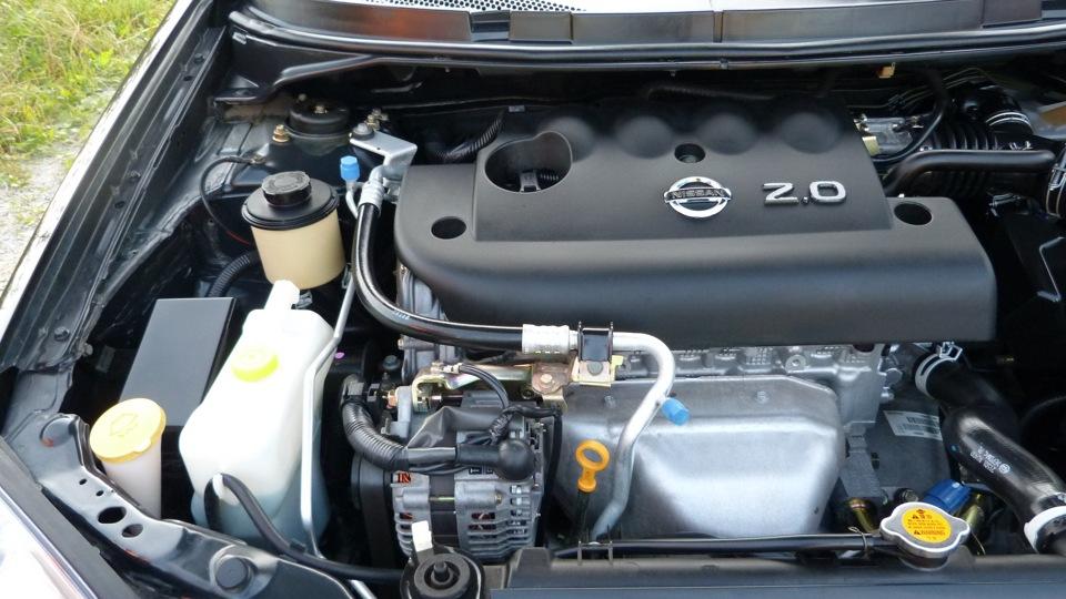 Nissan Primera 2.0 L 6-мкп 黒
