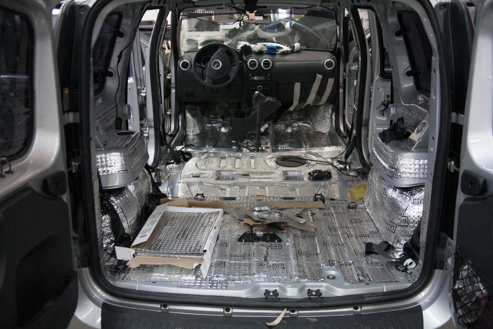 Шумоизоляция автомобиля своими руками ларгус