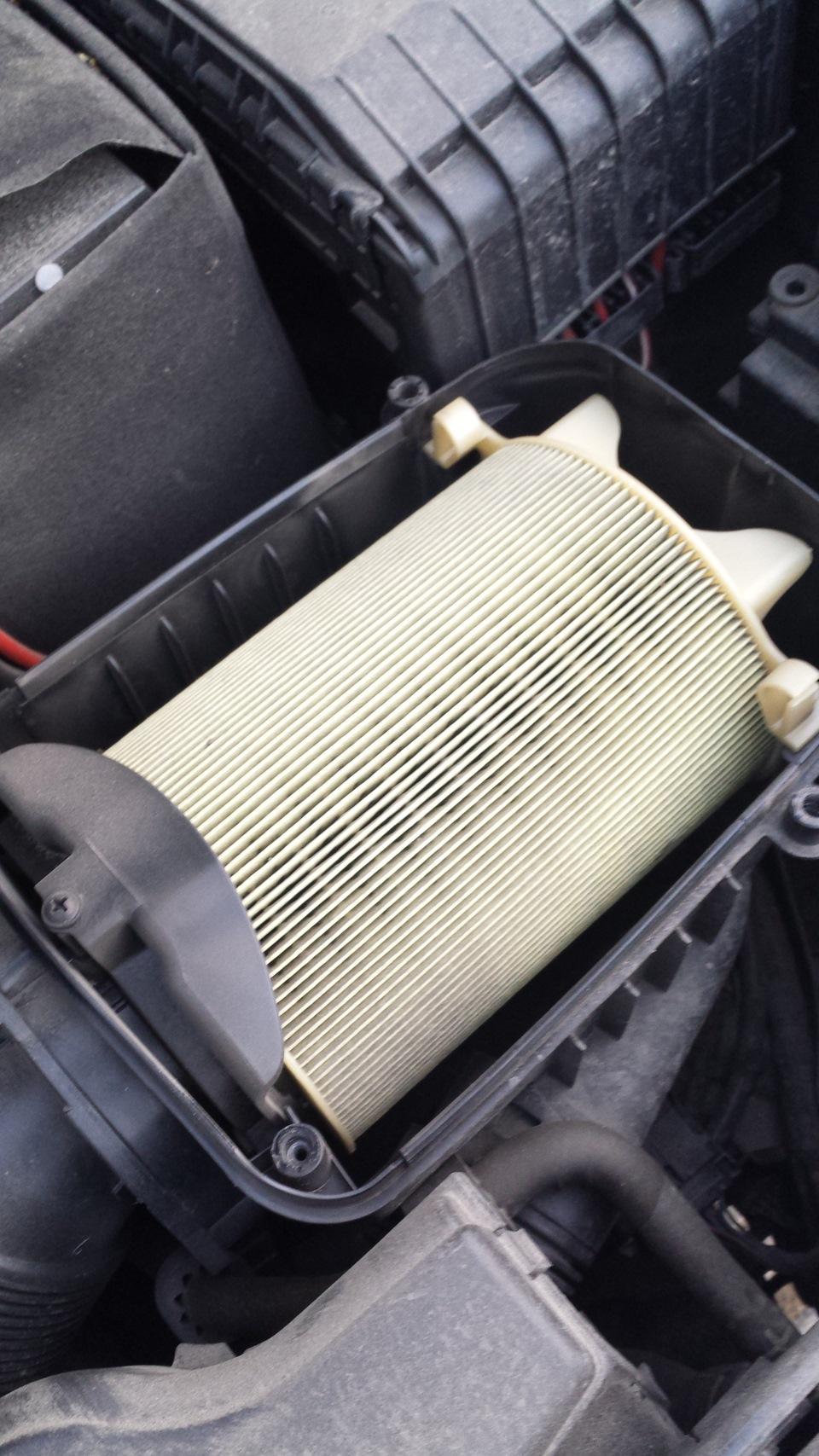Замена воздушного фильтра шкода суперб 2 своими руками