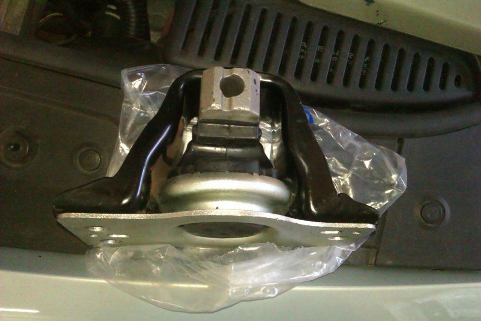 замена гидроопоры двигателя рено меган 2