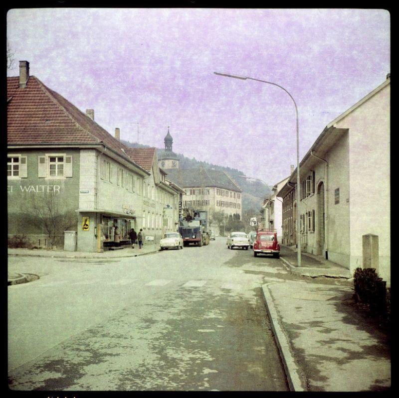 ФРГ, 60-ые - пьют баварское