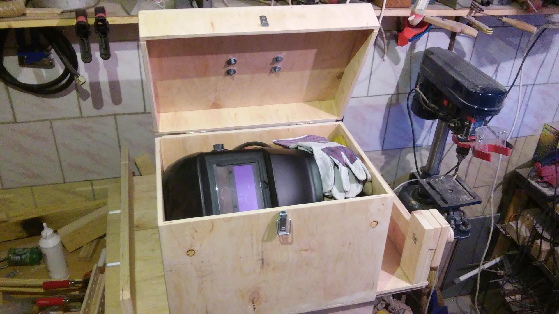 Как сделать ящик для сварочного аппарата