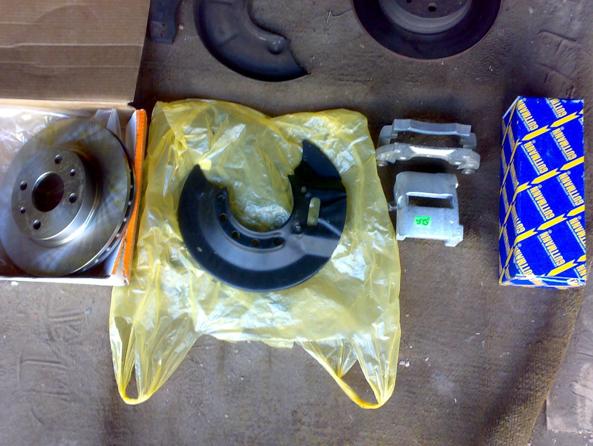 Фото №8 - замена передних тормозных цилиндров ВАЗ 2110