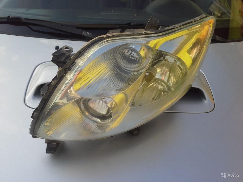 Фонарь задний левый на Toyota Auris 2007