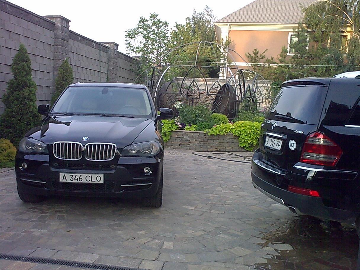 Mercedes Gl 500 Vs Bmw X5 4 8i Logbook Bmw X5 Бумер 2007 On Drive2