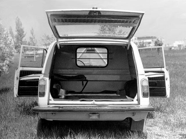Грузовой отсек фургона — довольно вместительный